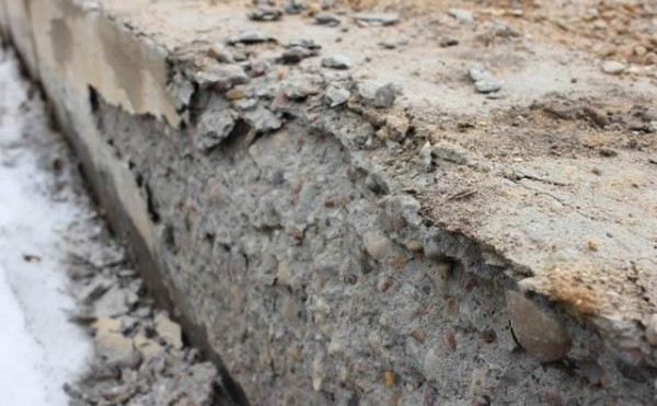 Цементный раствор сыпется бетон залить столбы